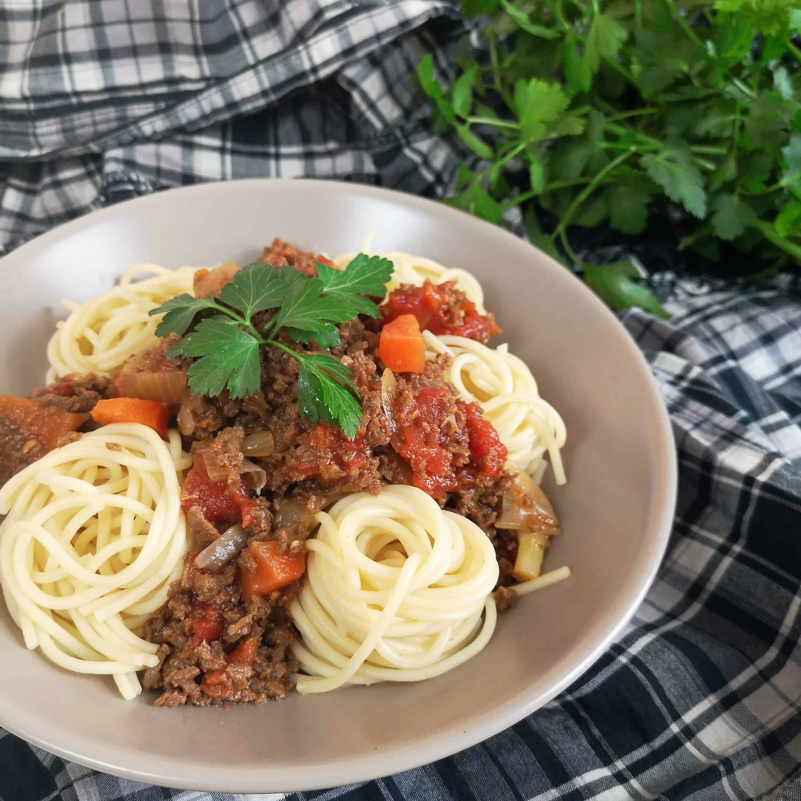 Spaghetti bolognaise vegan aux protéines de soja (PST)